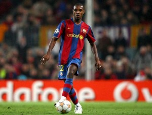 Abidal accidentat cel putin 10 zile