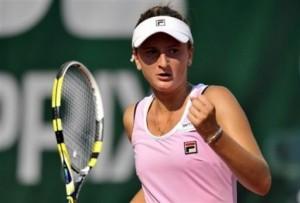 Begu merge mai departe, dar Țig părăsește WTA Charleston