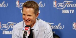 Steve Kerr rămâne antrenorul campioanei NBA, Golden State Warriors