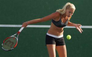 Kristina Mladenovic încasează o nouă bătaie în primul tur