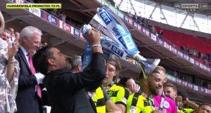 Huddersfield Town promovează în Premier League!