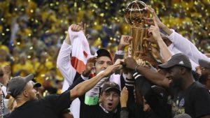 Golden State Warriors învinge Cleveland Cavs şi câştigă titlul NBA