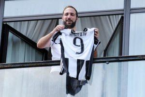 Higuain a pierdut procesul cu Napoli