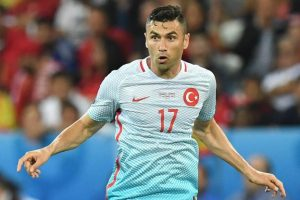 Burak Yilmaz a semnat cu Trabzonspor