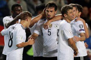 Suporterii germani  socheaza  lumea fotbalului