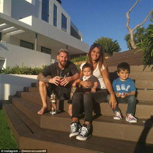 Messi va fi tata pentru a treia oara