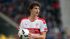 Benjamin Pavard a prelungit cu Stuttgart până în 2021