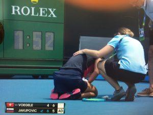 Fumul și aerul greu respirabil creează probleme în calificările de la Australian Open