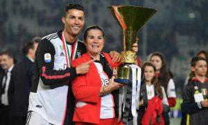 Cristiano Ronaldo a plecat de urgenţă în Portugalia pentru a fi alături de mama sa, victima unui AVC