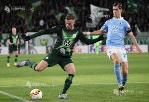 Mijlocaşul Yannick Gerhardt (Wolfsburg) a suferit o fractură facială în timpul unui antrenament.