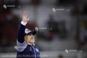 Diego Maradona şi-a prelungit contractul de antrenor al echipei Gimnasia La Plata