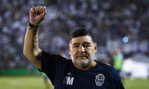 Un psiholog şi doi infirmieri, vizaţi de o anchetă în cazul morţii lui Maradona