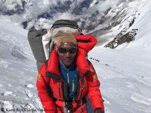 Nepalezul Kami Rita va escalada vârful Everest pentru a 25-a oară