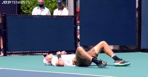 Jucătorul de tenis Jack Draper, 19 ani, a leșinat pe teren în timpul meciului de la Miami Open