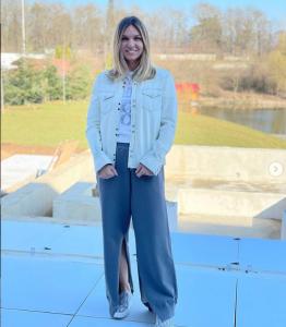 Simona Halep se califică în turul trei la WTA Miami deși are probleme la umăr